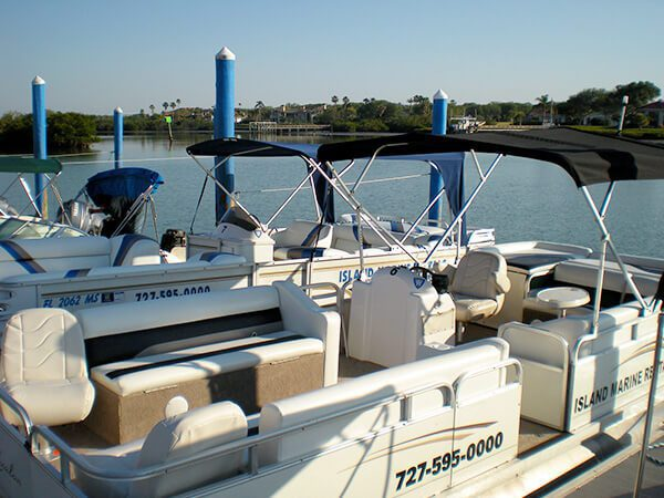 22 Avalon Catalina Tri-Toon Boat 4